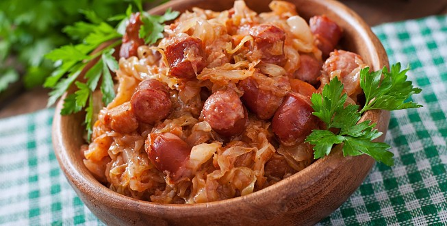 Polish bigos with smoked sausage and bacon